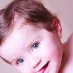 foto bebé con ojos azules