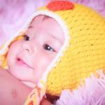 Foto bebé con gorrito de pollito