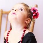 Fotografía niña vestida de flamenca