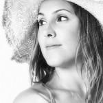 foto book chica con sombrero